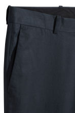 Cropped cotton-blend chinos - Dark blue - Men | H&M CN 3