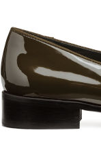 Lakleren loafers - Kakigroen/lak - DAMES | H&M BE 4