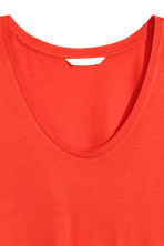 T-shirt in jersey scollo a V - Rosso - DONNA | H&M IT 3