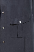 Lyocell utility shirt - Dark blue - Men | H&M 3