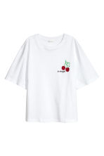 Top with appliqués - White/Cherry - Ladies | H&M CN 2