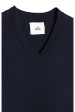 V-neck boiled wool jumper - Dark blue - Men | H&M 4