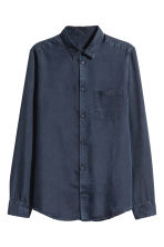 Denim shirt Regular fit - Dark blue - Men | H&M 2