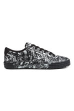Trainers - Black/White patterned - Men | H&M 1