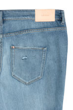 H&M+ Slim Regular Ankle Jeans - Light denim blue/Crranes - Ladies | H&M 4