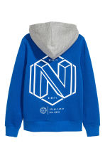 Hooded top with a motif - Bright blue - Kids | H&M CN 3