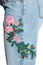 MAMA Slim Ankle Jeans - Light denim blue/Flowers - Ladies | H&M 3