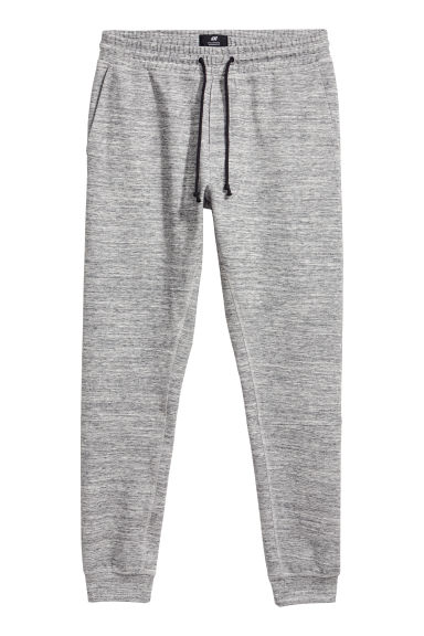 Tapered fit Joggers Model