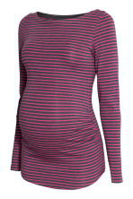 Dark grey/Pink striped