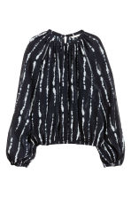 Balloon-sleeved blouse - Black/Patterned - Ladies | H&M 2