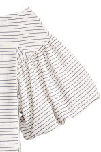 Off-the-shoulder blouse - White/Striped - Ladies | H&M CN 3