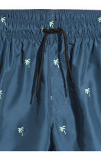 Short swim shorts - Dark blue/Palm trees - Men | H&M CN 3