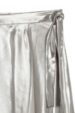 Shimmering metallic wrap skirt - Silver-coloured - Ladies | H&M 3