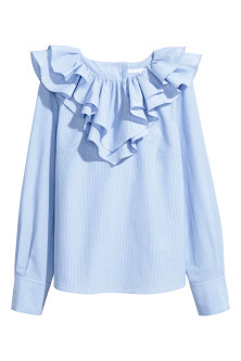 Blouse with a frilled collar