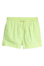 Short swim shorts - Neon green - Men | H&M 2