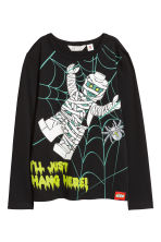 Jersey top with a print motif - Black/Lego - Kids | H&M CN 2