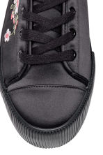 Embroidered trainers - Black/Satin -  | H&M GB 3