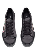 Embroidered trainers - Black/Satin -  | H&M GB 2