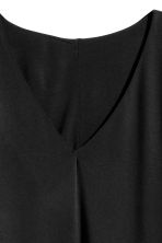 Jersey V-neck dress - Black - Ladies | H&M CN 3