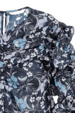 Blouse with gathered sleeves - Dark blue/Floral - Ladies | H&M CN 3