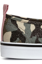Slip-on Shoes - Khaki green/patterned - Ladies | H&M CA 4