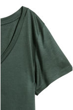 V-neck T-shirt - Dark green - Ladies | H&M 3