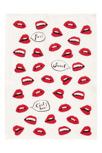 Patterned tea towel - White/Lips - Home All | H&M GB 2