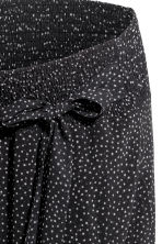 MAMA Patterned skirt - Black/White spotted - Ladies | H&M GB 2