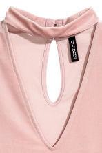V-neck velvet top - Light pink - Ladies | H&M CN 3