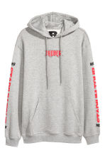 Printed hooded top - Grey marl/Bieber - Men | H&M 1