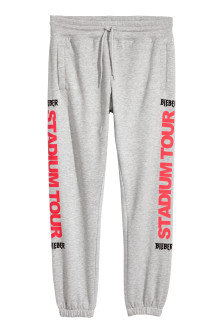 Sweatpants with a print motif