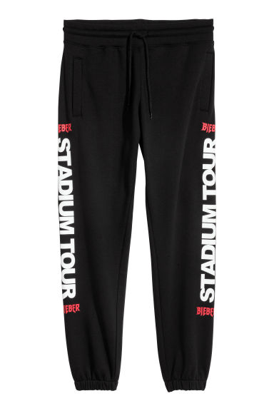 Sweatpants with a print motif - Black - Men | H&M 1