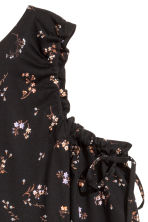 Cold shoulder top - Black/Floral - Ladies | H&M 2
