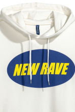 Printed hooded top - White/New Rave - Men | H&M 3