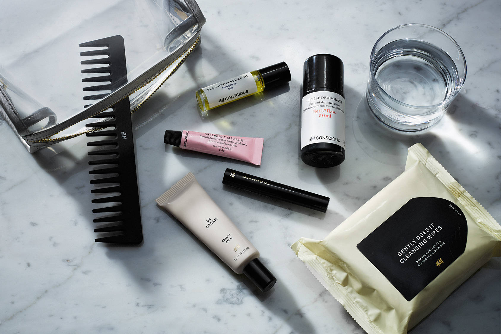 7 IN-FLIGHT BEAUTY ESSENTIALS WE NEVER TRAVEL WITHOUT