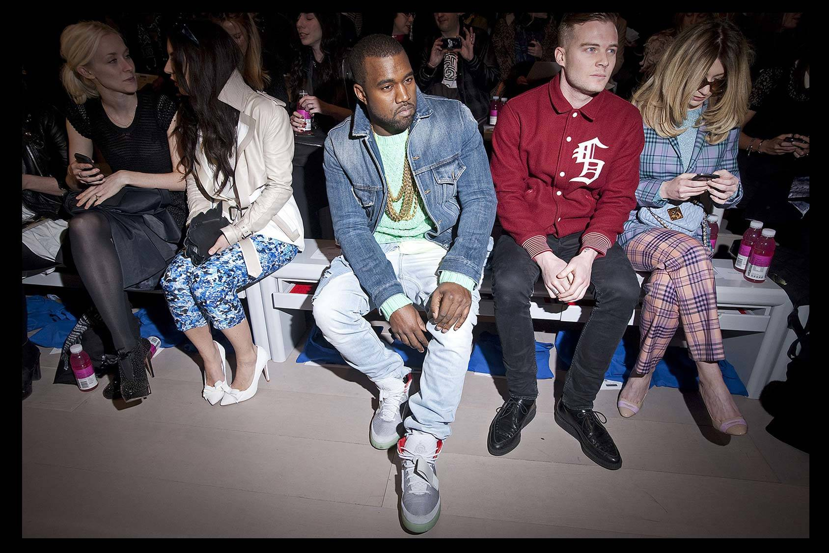 Kanye West against the fashion world, All Over Press.