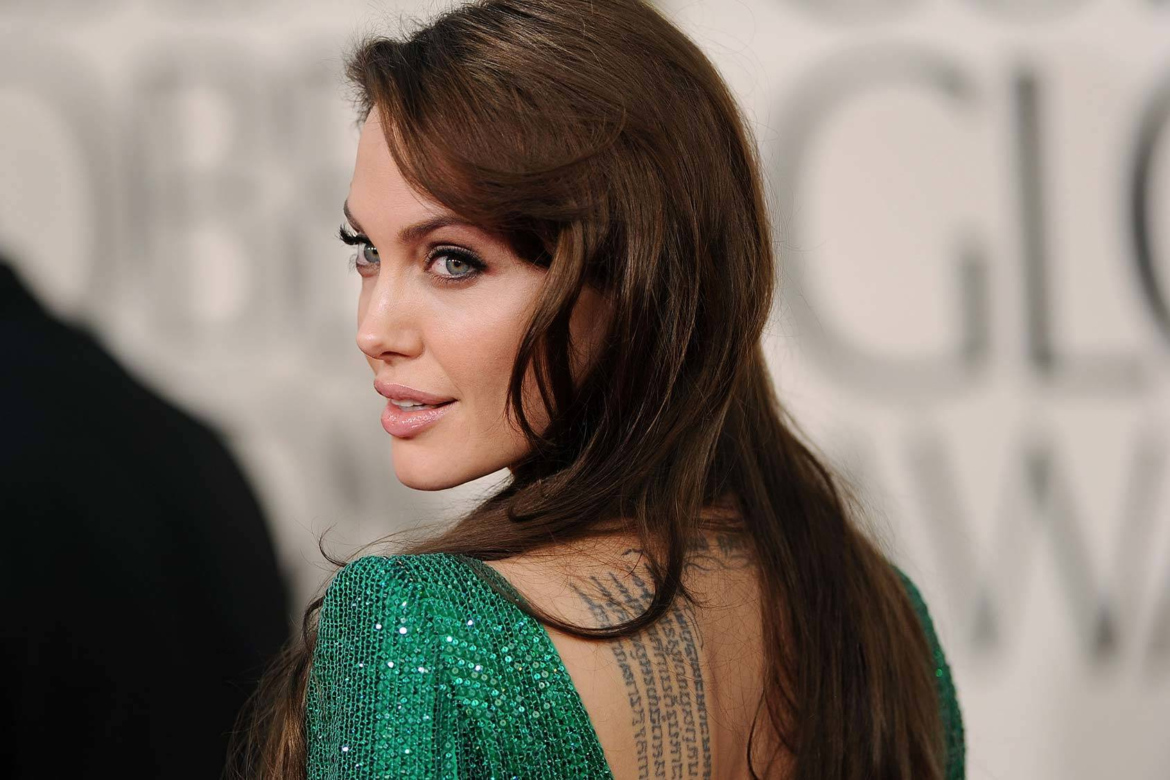 We celebrate Angelina Jolie's 40th birthday by giving you her ten best red carpet moments, Getty Images.