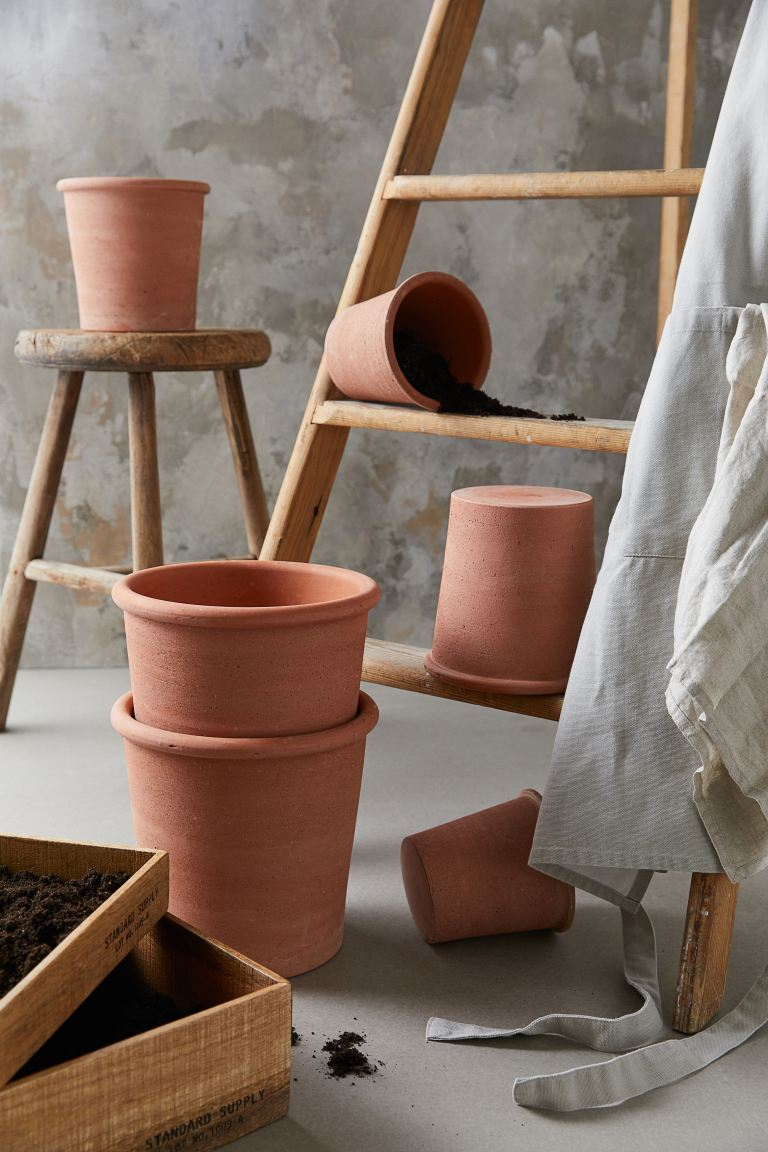 Small Terracotta Plant Pot - Terracotta - Home All | H&M US