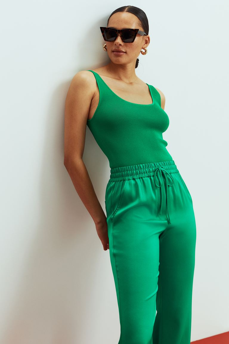 Knitted vest top - Green - Ladies   H&M
