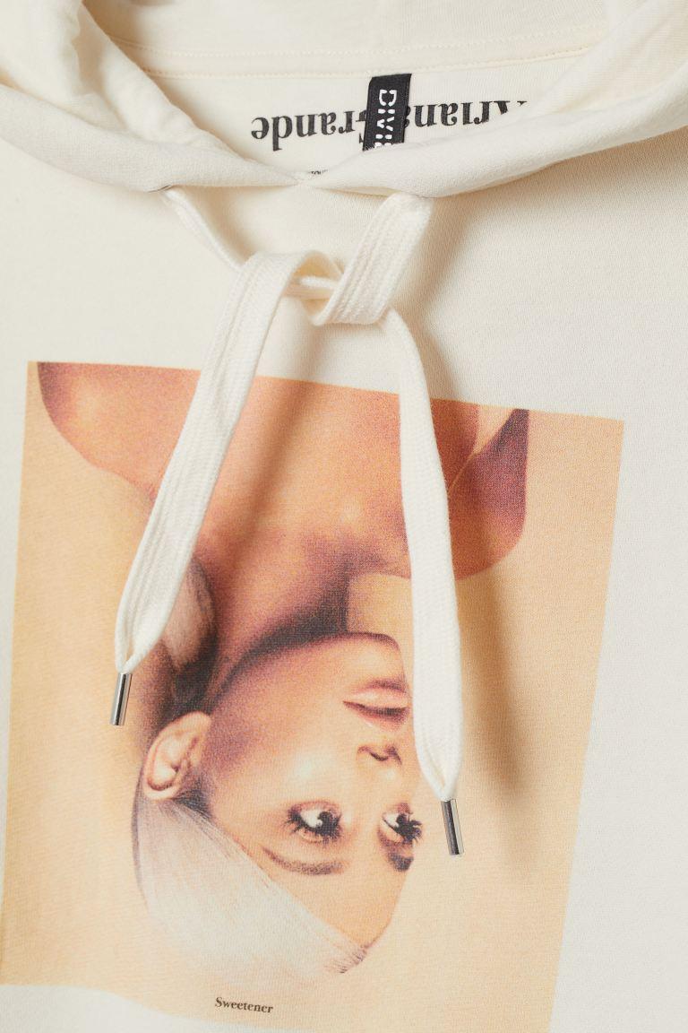 Short Printed Hoodie Cream Ariana Grande Ladies H M Us