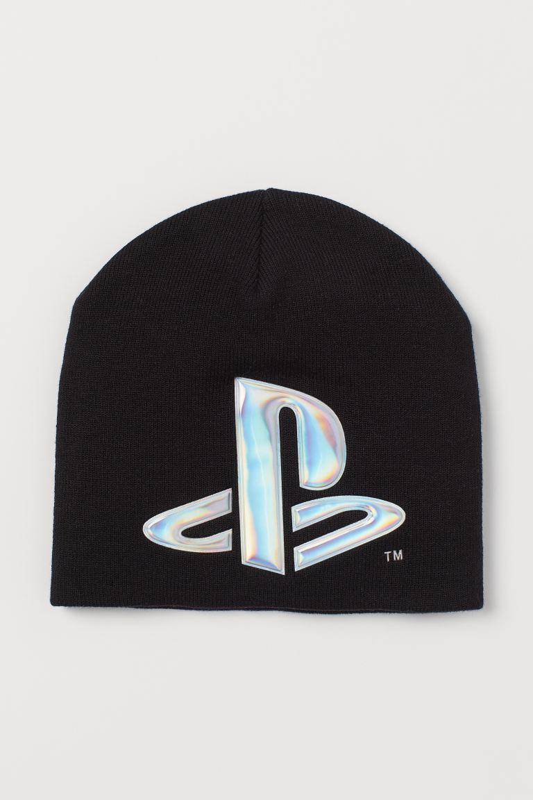 Appliquéd hat