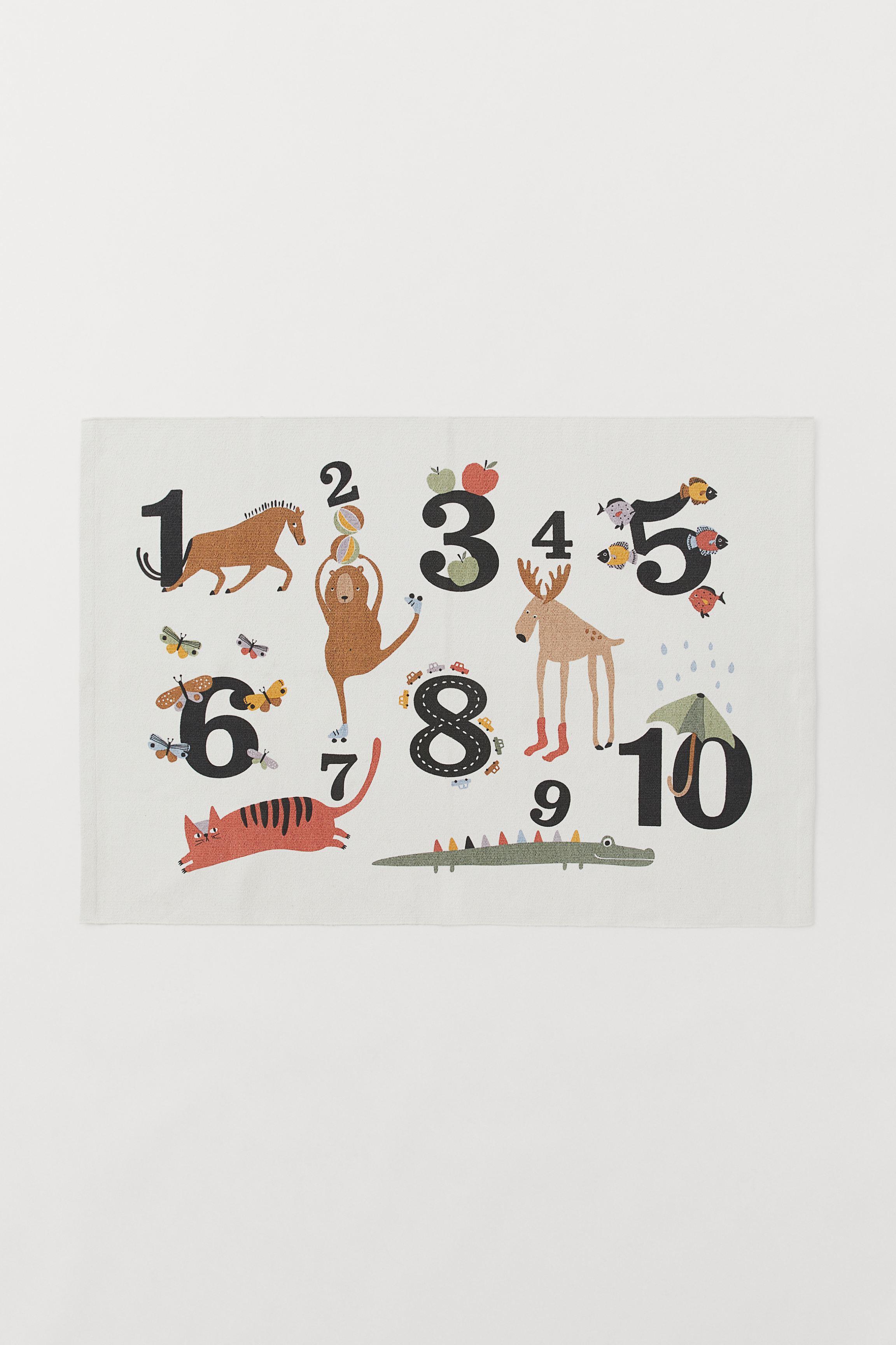 Number-design Cotton Rug