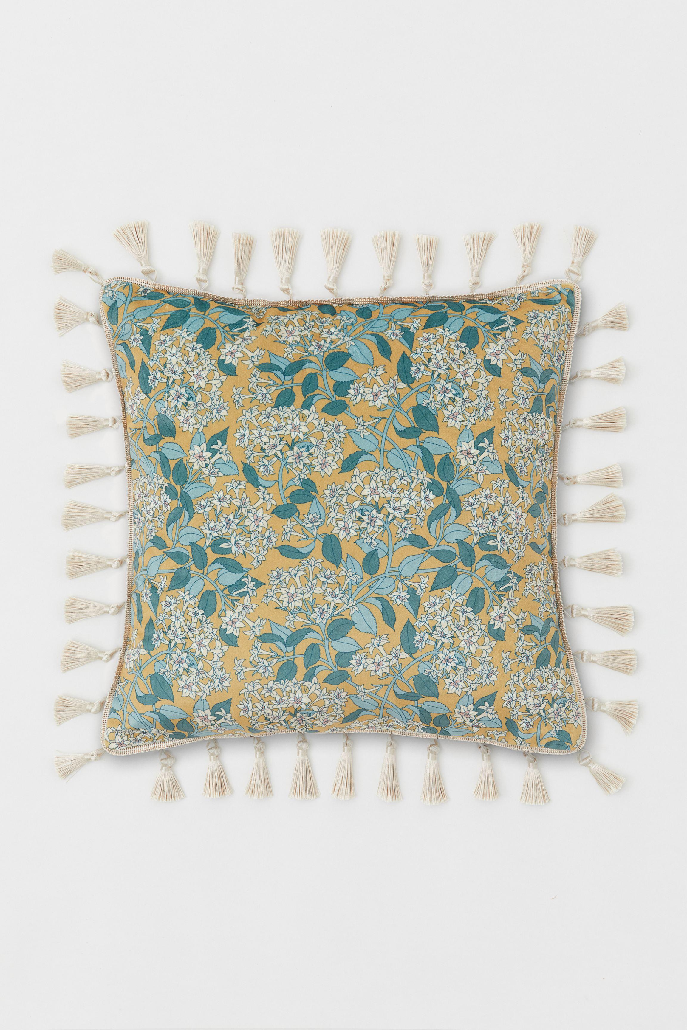 Tasseled Cushion Cover
