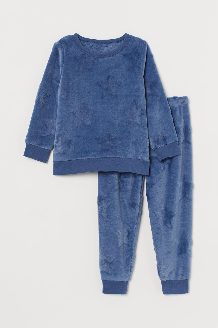 Pile pyjamas