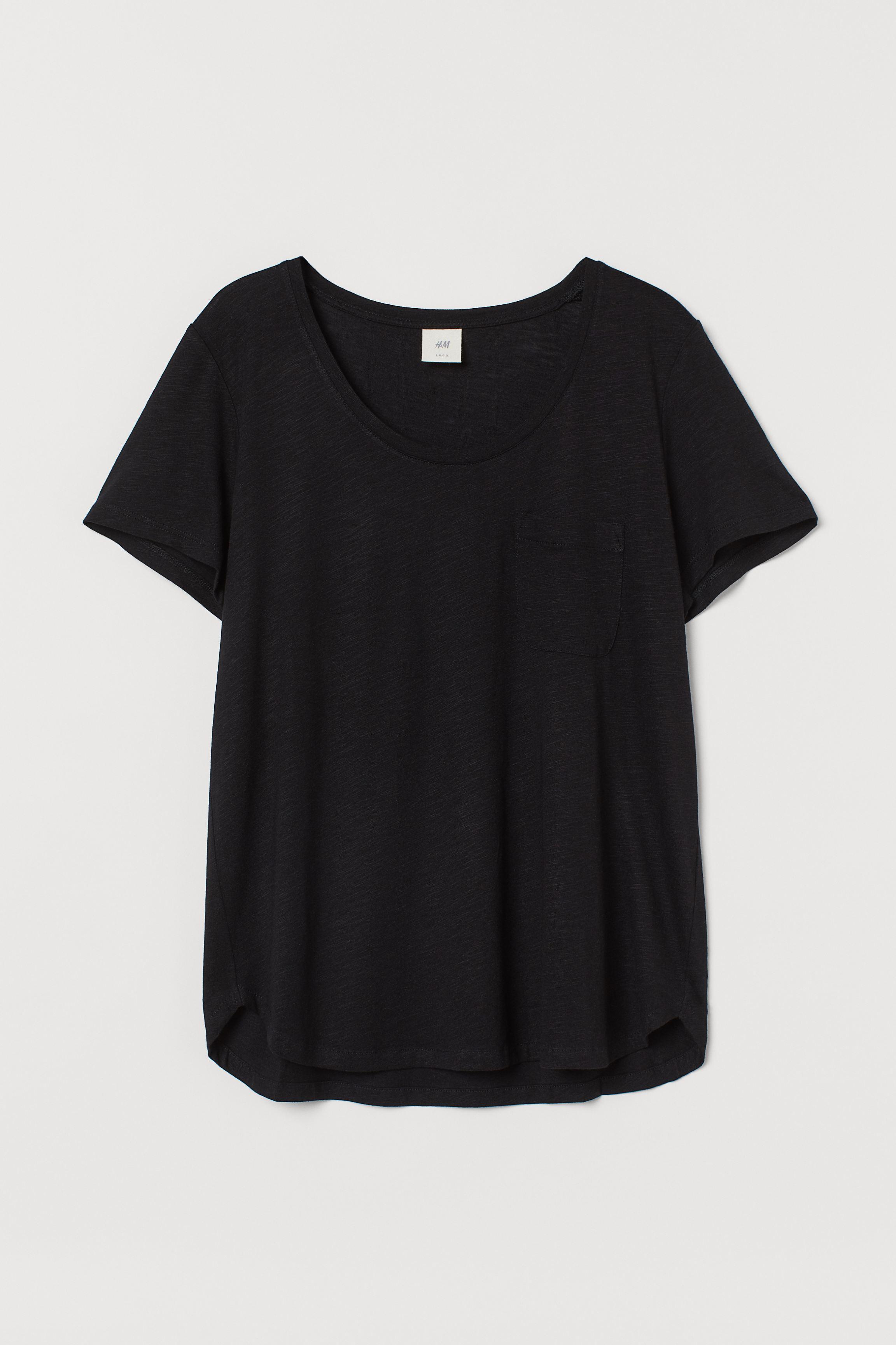 Low-cut T-shirt