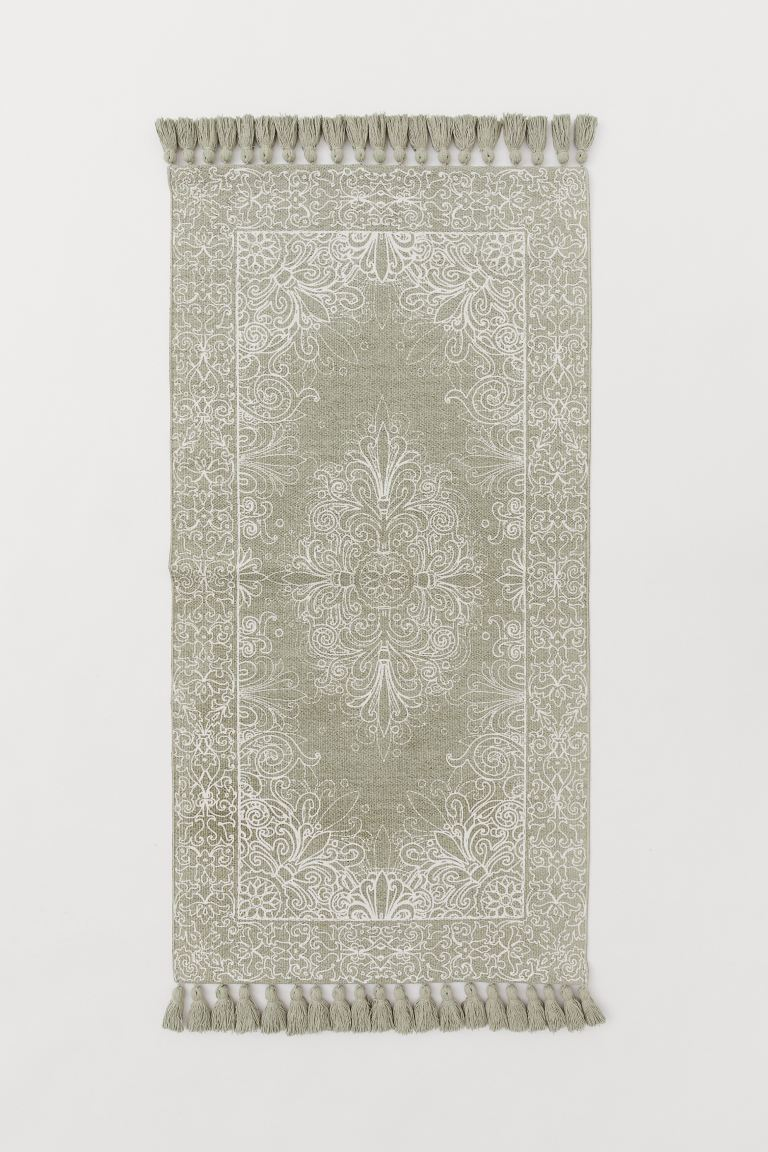 Tasselled cotton rug - Khaki green/White patterned - Home All | H&M GB