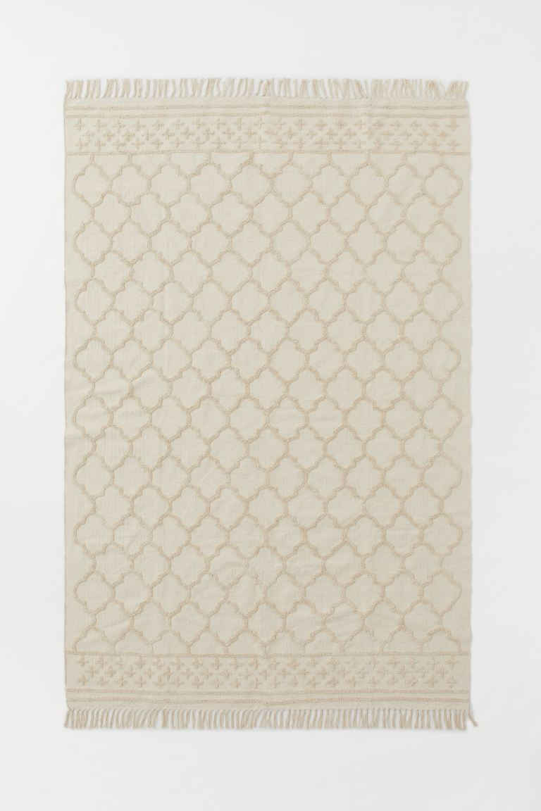 Large Tasseled Rug - Light beige - Home All | H&M US