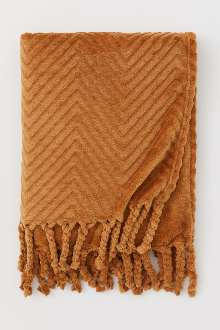 Fringed fleece blanket - Brown - Home All | H&M GB