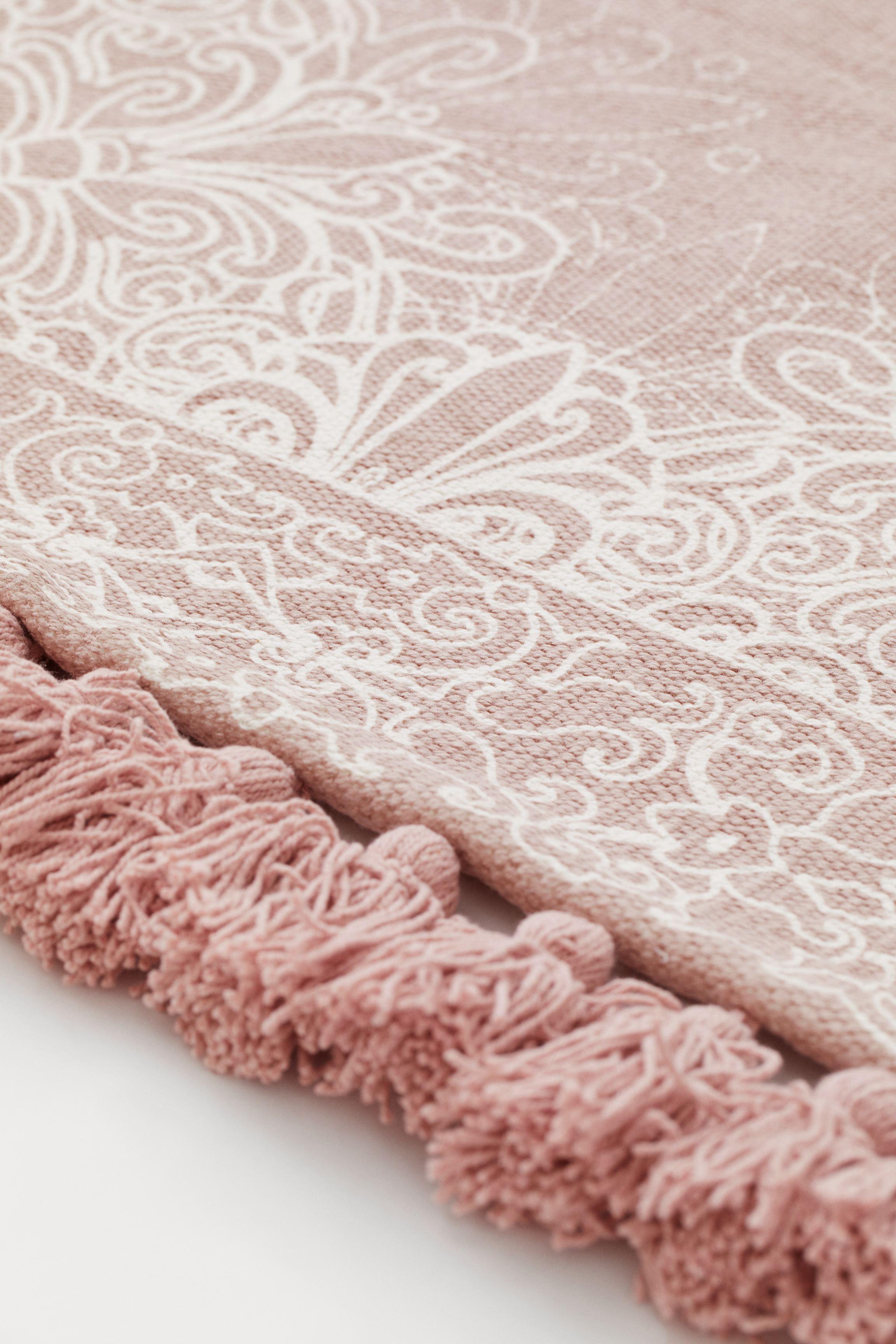 Tasseled Cotton Rug