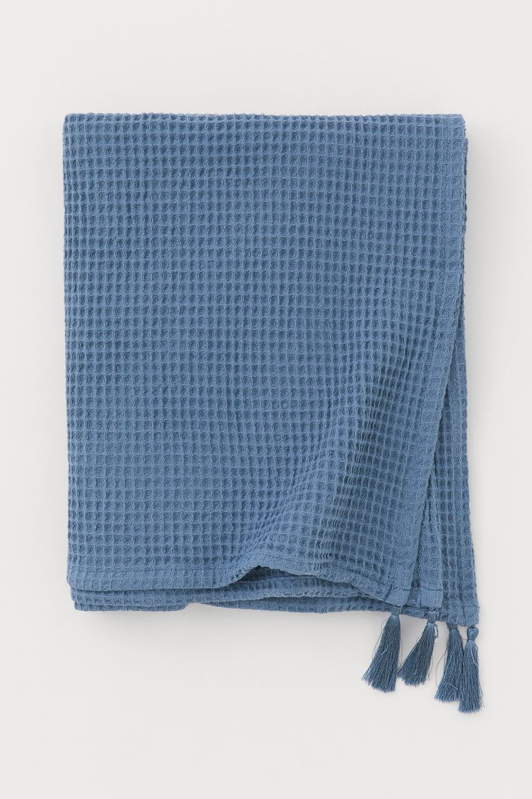 Waffled tasselled blanket - Pigeon blue - Home All | H&M GB